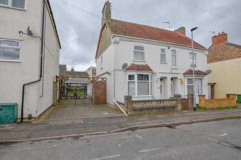 4 bedroom semi-detached house for sale - Jubilee Street, Woodston, Peterborough, PE2