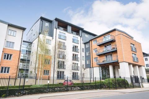 2 bedroom flat to rent - Riverside