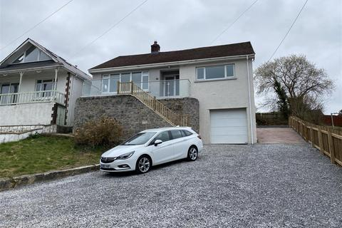 3 bedroom detached bungalow for sale - Pontamman Road, Ammanford
