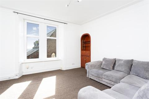 3 bedroom flat for sale - Constitution Street, Dundee