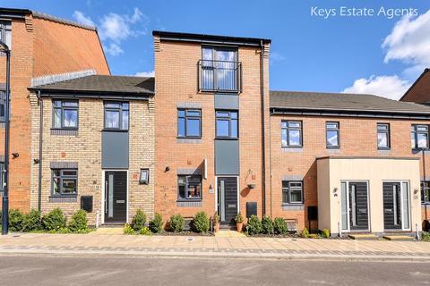 4 bedroom townhouse for sale - Norville Drive, Hanley, Stoke-On-Trent