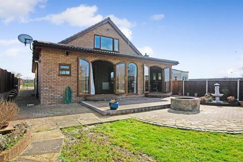 5 bedroom detached bungalow for sale - Hethersett, NR9