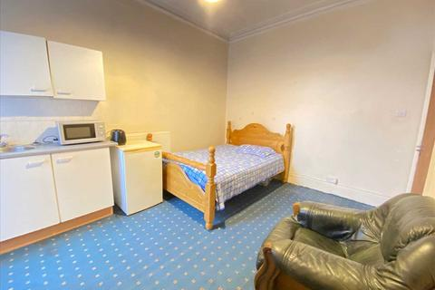 Studio to rent - Broughton Road, West Ealing