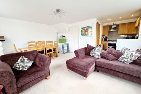 2 bedroom flat to rent - Kingsley Avenue,