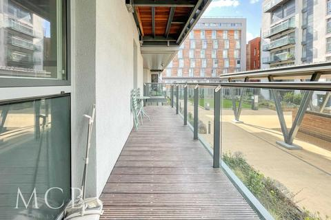 1 bedroom apartment to rent - Cardinal Building, Hayes, UB4