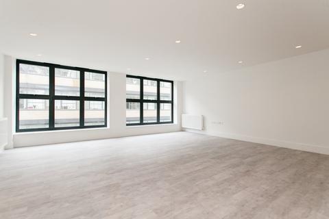 3 bedroom flat to rent - Long Street, London, E2