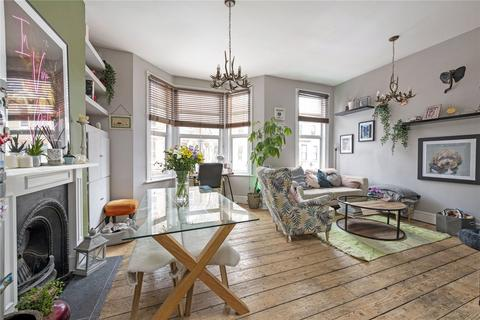 1 bedroom flat for sale - St. Luke's Avenue, London, SW4
