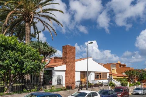 6 bedroom villa - Las Palmas de Gran Canaria, 35001, Spain