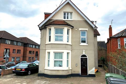 2 bedroom flat for sale - Frimley Road, Surrey, GU15