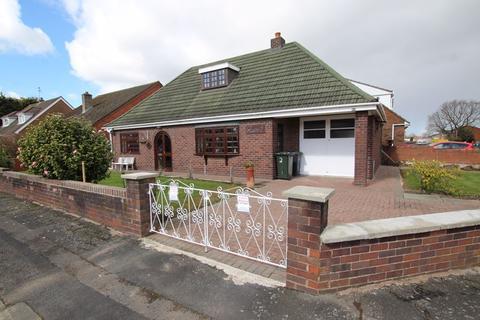 3 bedroom detached bungalow for sale - Balmoral Gardens, Ellesmere Port