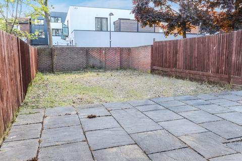 Studio to rent - Parkland Road, Wood Green (Inclusive C.tax & Water Rates)