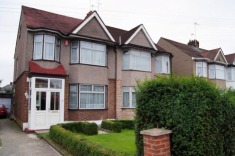 3 bedroom apartment to rent - Great Cambridge Road, Enfield, EN1