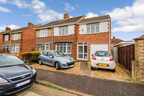 4 bedroom semi-detached house for sale - Balmoral Road, Walton, Peterborough, PE4 6AP