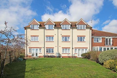 2 bedroom flat for sale - Montagu House, Tilemakers Close, Westhampnett, Chichester PO18
