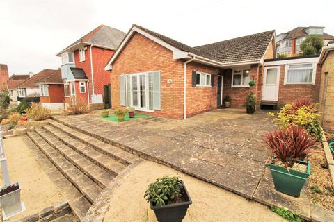 2 bedroom bungalow for sale - Castle Lane West, Bournemouth, BH9