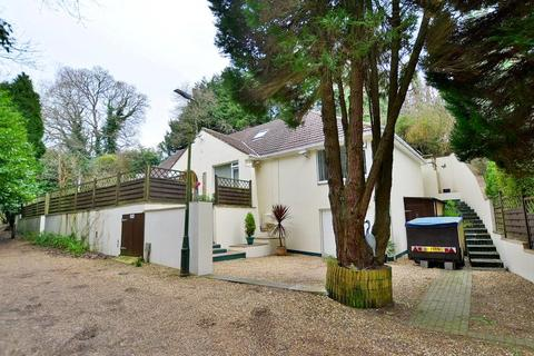 4 bedroom chalet for sale - Sandy Way, Bournemouth, Dorset, BH10 7DL