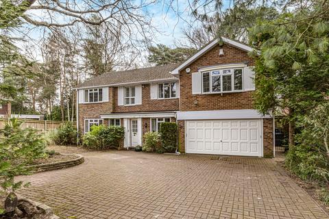6 bedroom detached house for sale - Dean Close, Pyrford GU22