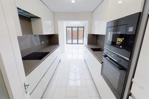 5 bedroom house for sale - Hazelbury Road, London