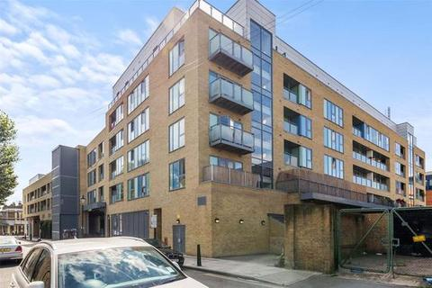 2 bedroom flat to rent - Clement Attlee House, Cardigan Road, London, E3