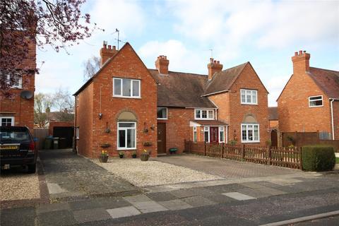 4 bedroom semi-detached house for sale - Milton Road, Cheltenham, GL51