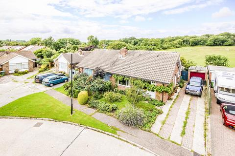 3 bedroom bungalow for sale - Garden Close, Angmering, West Sussex, BN16