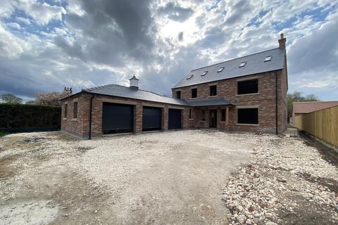6 bedroom detached house for sale - Prestigious New Development, Main Street, South Duffield