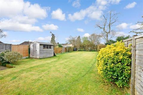 3 bedroom semi-detached house for sale - Bremner Avenue, Horley, Surrey