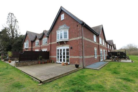4 bedroom townhouse to rent - Whitlingham Hall, Kirby Road