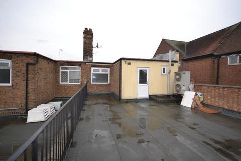 2 bedroom apartment to rent - Dagenham Road, Rush Green