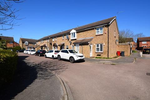 3 bedroom terraced house to rent - Boulters Close, Slough