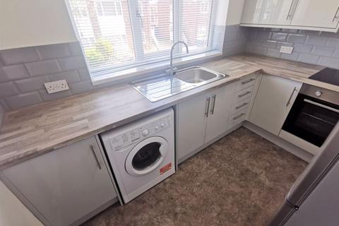 2 bedroom maisonette to rent - Lady Bay Road, West Bridgford, Nottingham, NG2 5BJ