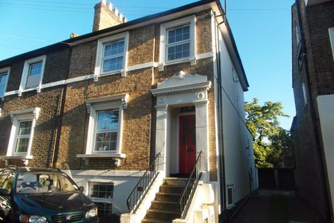 2 bedroom flat to rent - Park Avenue Ilford