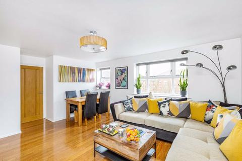 2 bedroom flat for sale - Molyneux Drive, Tooting