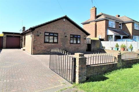 2 bedroom detached bungalow for sale - Glenwood Drive, Minster On Sea, Sheerness