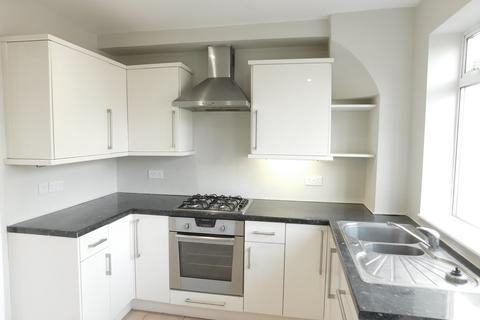 3 bedroom flat to rent - Campbell Road, Hanwell, London, W7
