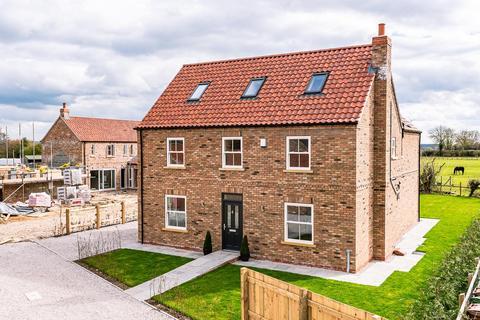5 bedroom detached house for sale - Hayton Farm Close, Newton On Derwent, York, YO41