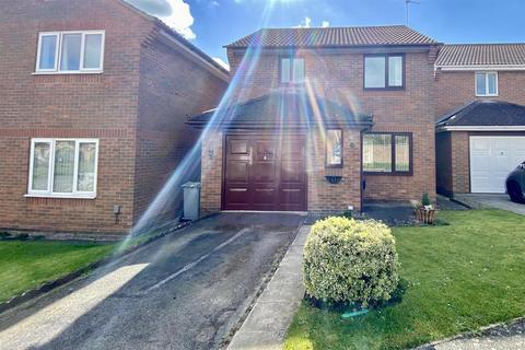 3 bedroom detached house for sale - Hatcliffe Close, Grantham