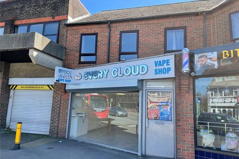 Retail property (high street) to rent - West End Road, Bitterne Village, Southampton, Hampshire, SO18