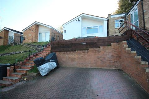2 bedroom bungalow for sale - Devon Road, Luton, Beds, LU2