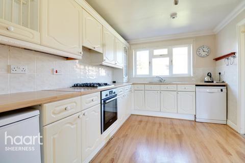 3 bedroom detached bungalow for sale - Baldwin Road, Sheerness