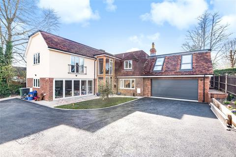5 bedroom detached house to rent - Bereweeke Avenue, Winchester, Hampshire, SO22