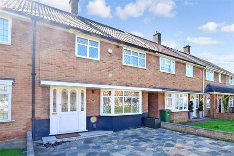 3 bedroom terraced house for sale - Boucher Walk, Rainham, Essex
