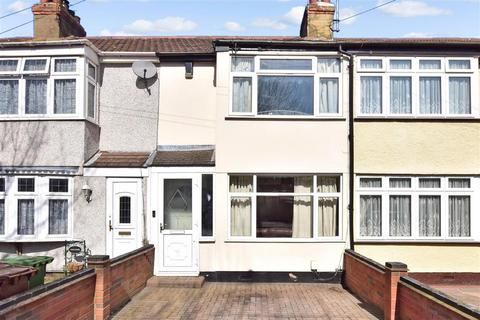 2 bedroom terraced house for sale - Gorseway, Rush Green, Romford, Essex