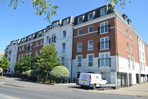 2 bedroom flat to rent - Station Approach, Epsom, Surrey. KT19 8BY