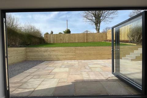 4 bedroom bungalow for sale - Trewyddfa Road, Morriston, Swansea