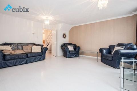 4 bedroom semi-detached house to rent - Maple Leaf Square, London SE16