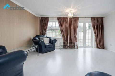 4 bedroom semi-detached house to rent - Maple Leaf Square, London SE16