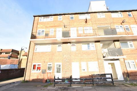 3 bedroom maisonette for sale - John Baird House, SE20 8RS