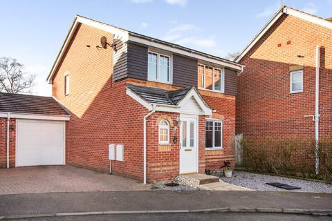 3 bedroom link detached house for sale - Trenchard Avenue, Halton