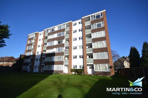 2 bedroom apartment to rent - Branksome, Poole